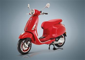 VESPA Primavera Red 150 Elegance and Quality